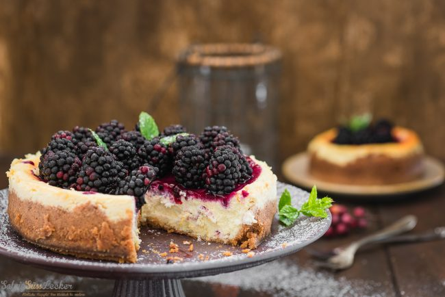 Blackberry-Goat-Cheesecake